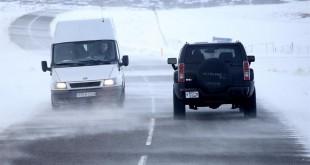 iceland_snowyroad3-2-