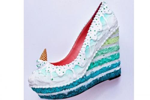 neverovatne-cipele-inspirisane-najlepsim-desertima (1)